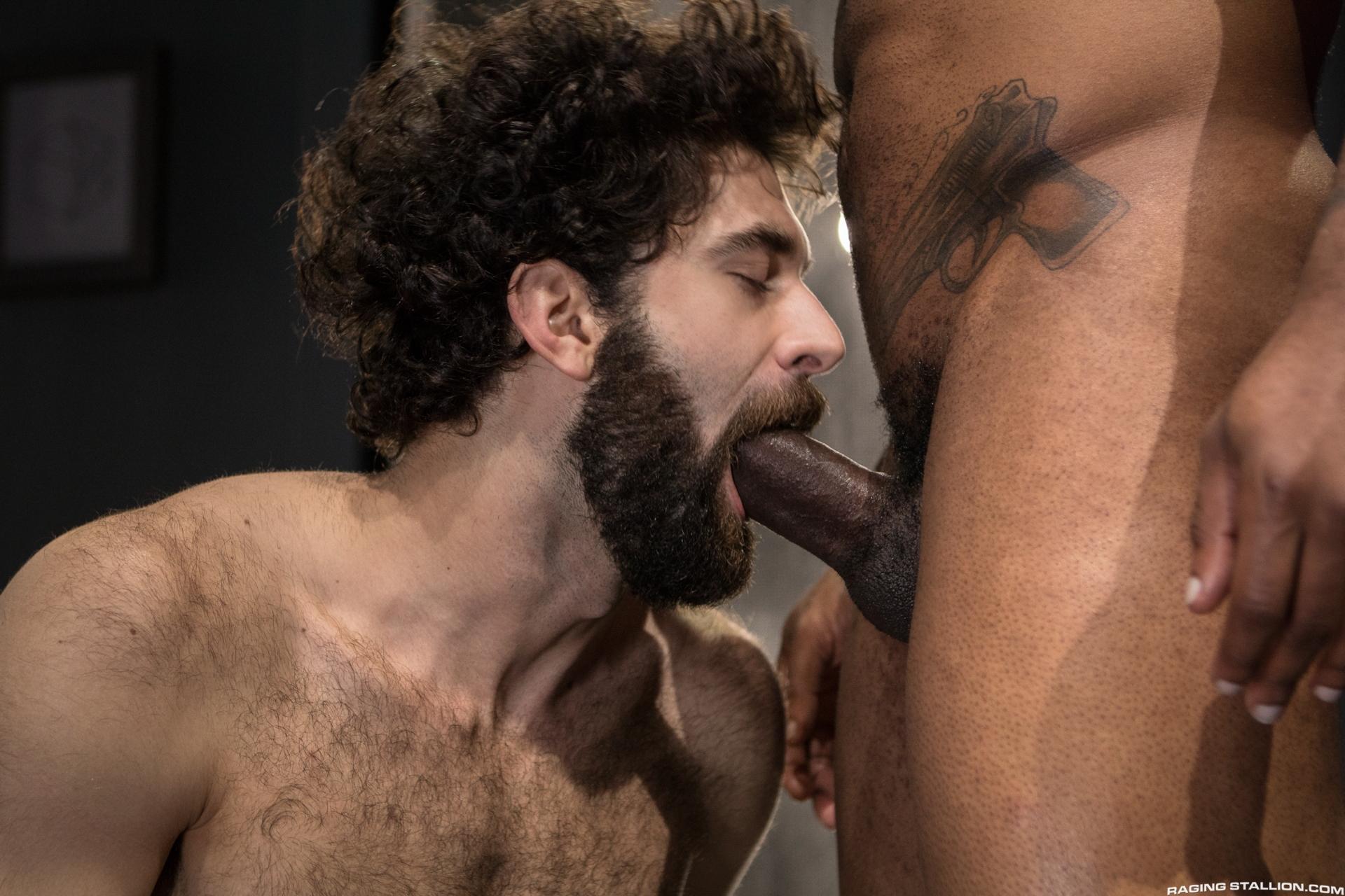 Fotos y clips desnudos