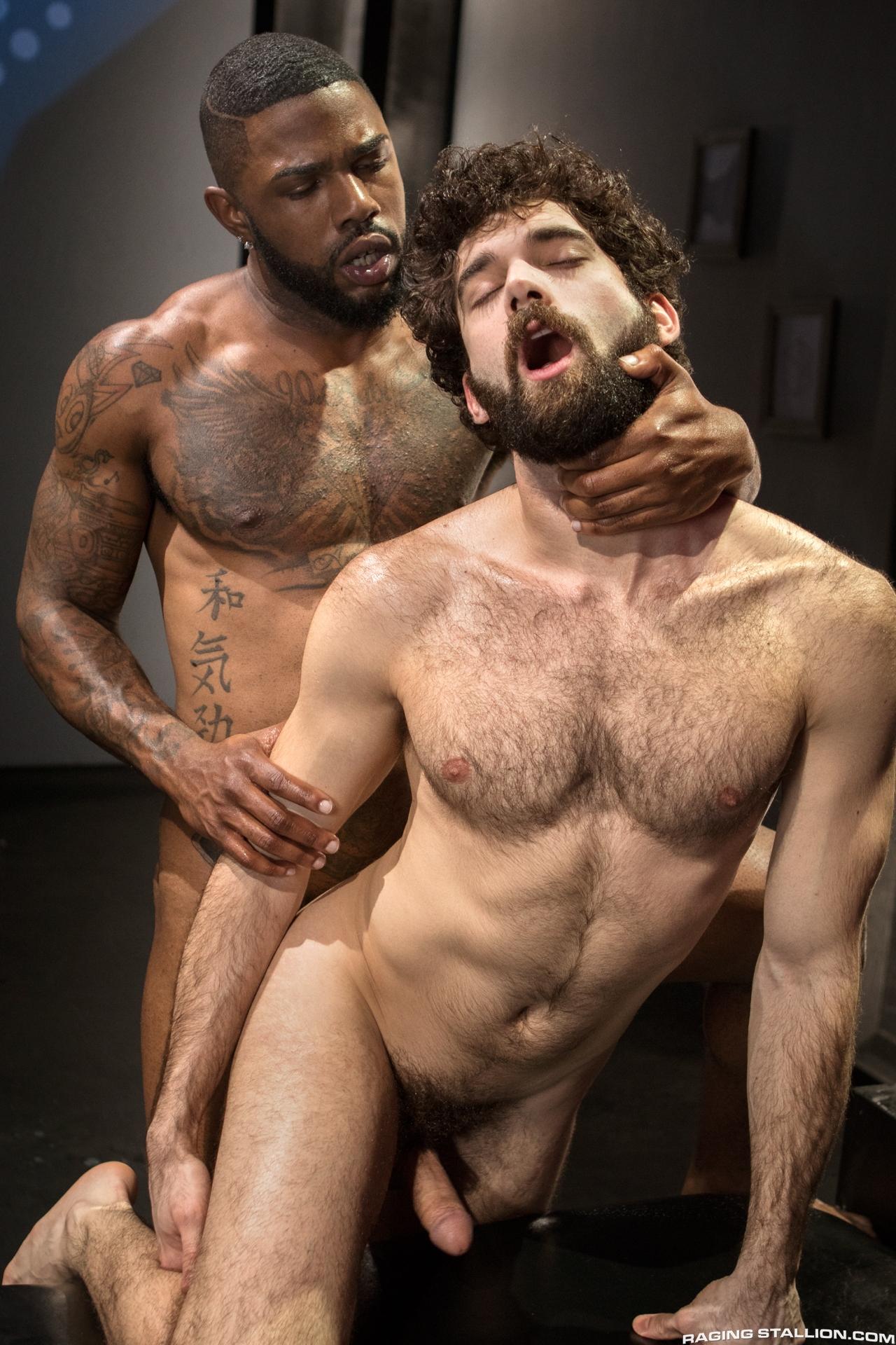 Tias con tios negros sexo interracial en fotos porno