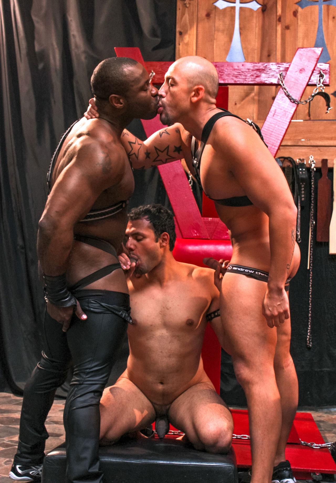 interacial dominación gay