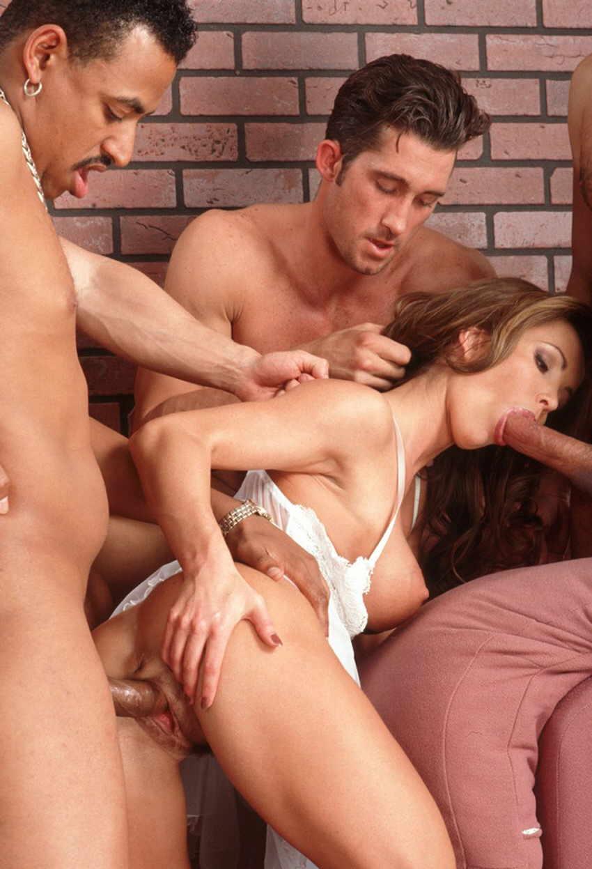 Смотреть онлайн групповое порно толпой бесплатно и регистрации 6 фотография