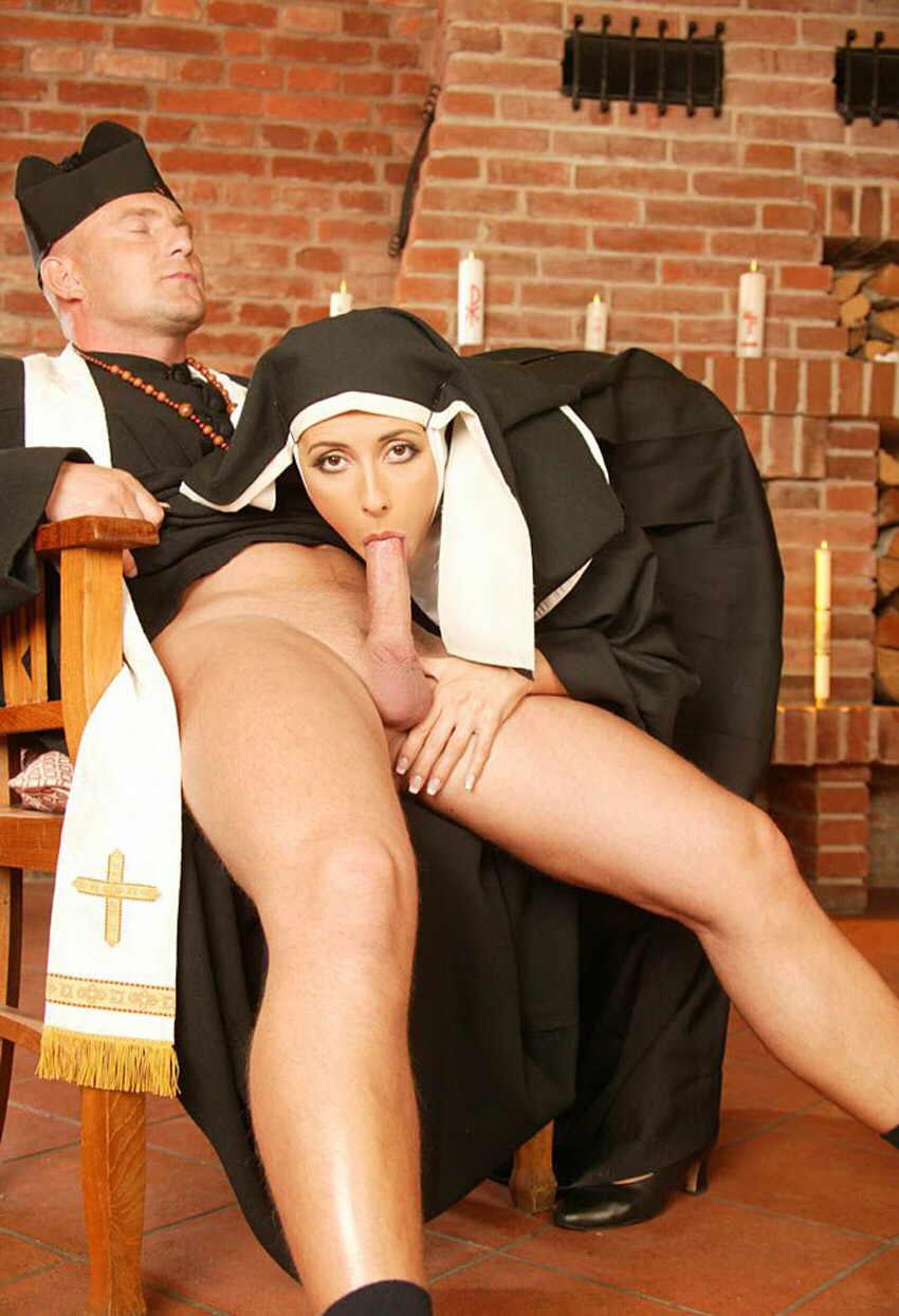 эротические монашек смотреть приключения